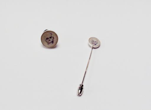 zilver pin en dasspeld sluiting in edelstaal